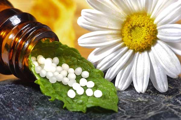 Картинки по запросу Что лечит Гомеопатия